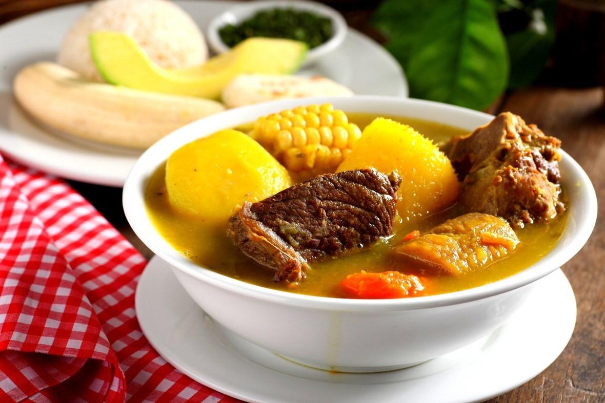 sancocho-cocina-dominicana-dominican-food-origen-de-la-cocina-dominicana-platos-de-la-cocina-dominicana-dominican-food