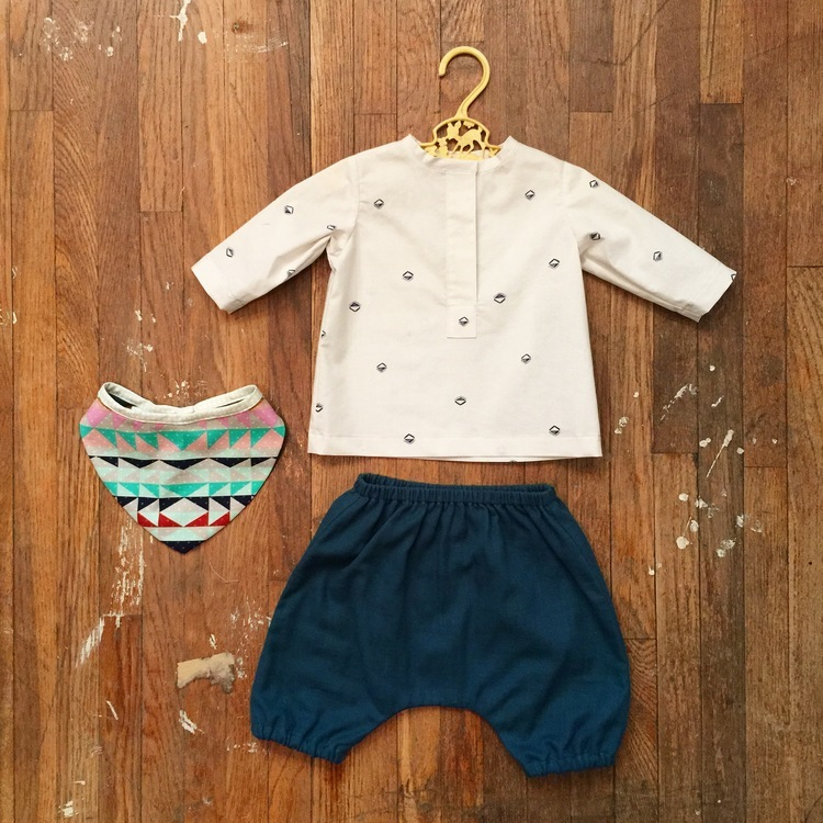 green bee- modern baby set