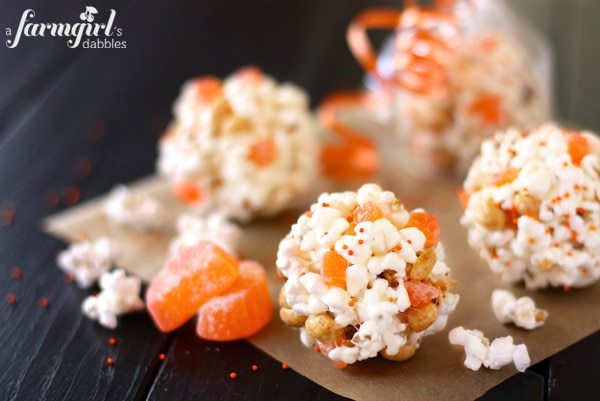 600afd X IMG 9339 halloween-marshmallow-popcorn-balls
