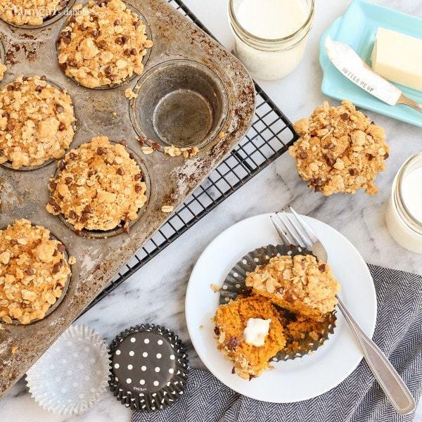 Pumpkin-Muffins-with-Oatmeal-Chocolate-Streusel AFarmgirlsDabbles AFD-5-600x600