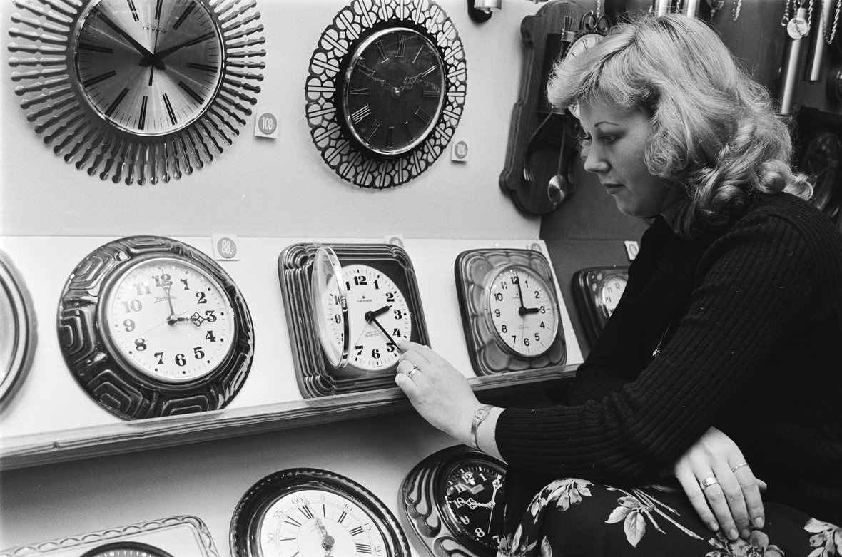 daylight savings public domain image