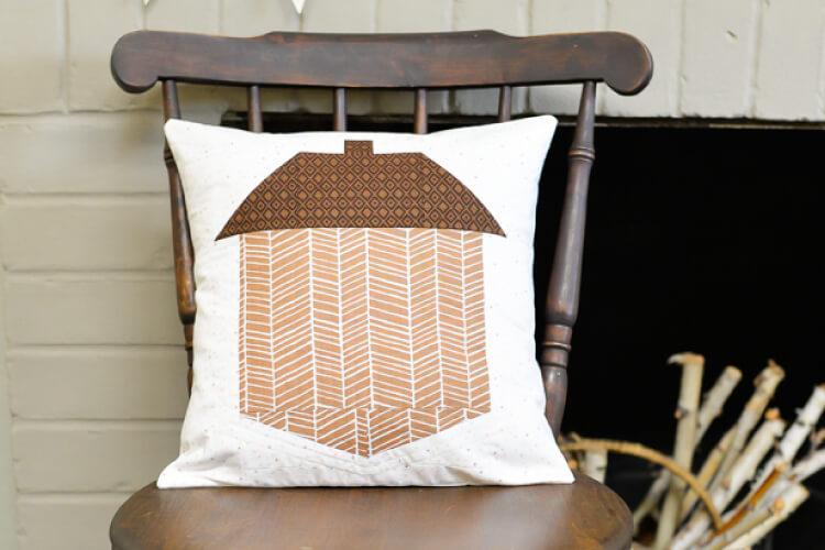 hey lets make stuff - Acorn-Pillow-WIDE-750-x-500