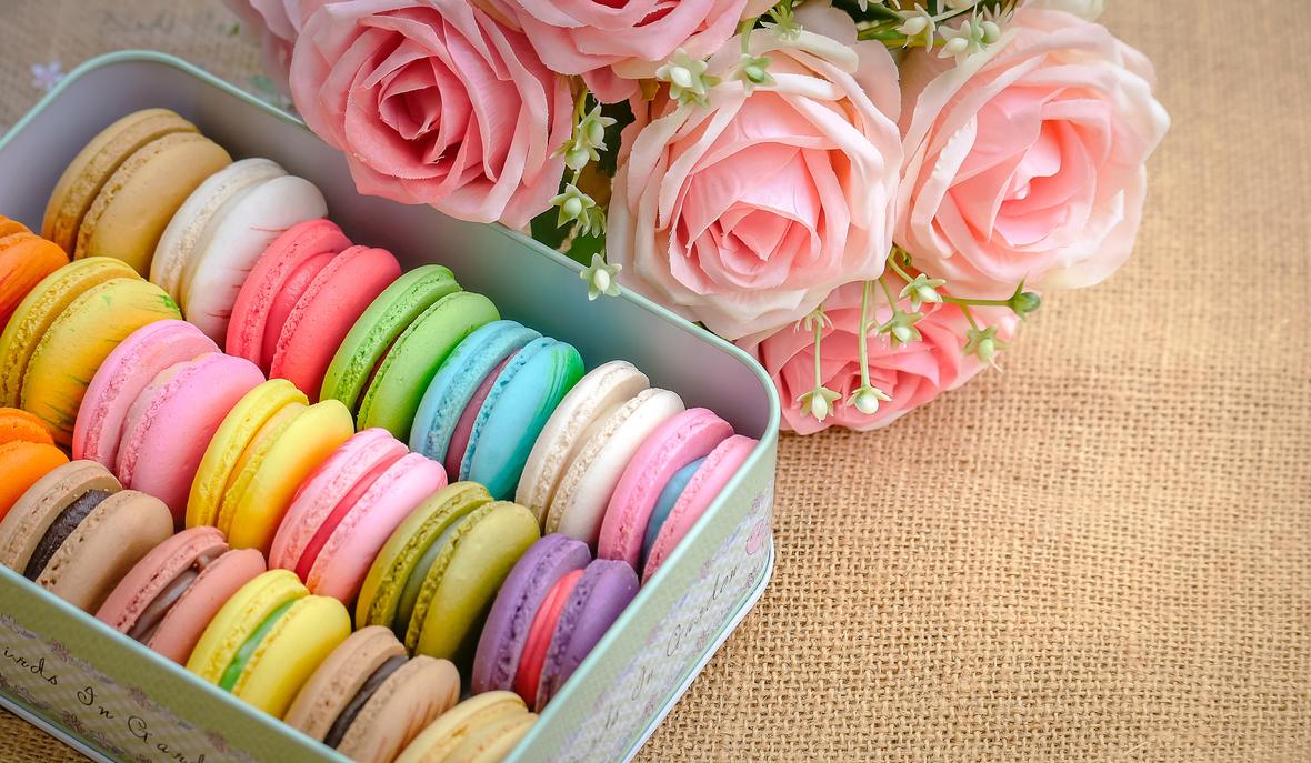 macarons-pink-roses