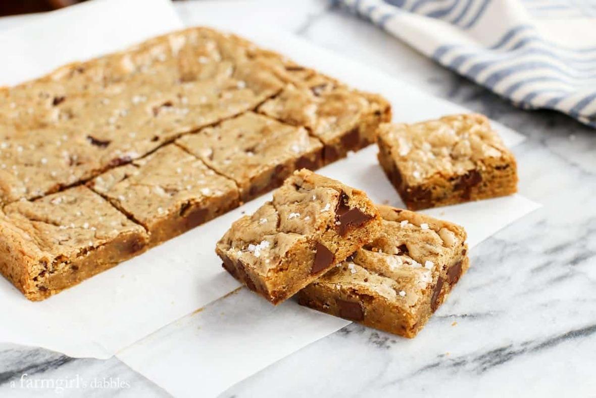 One-Bowl-Almond-Chocolate-Chunk-Blondies-with-Sea-Salt AFarmgirlsDabbles AFD-5
