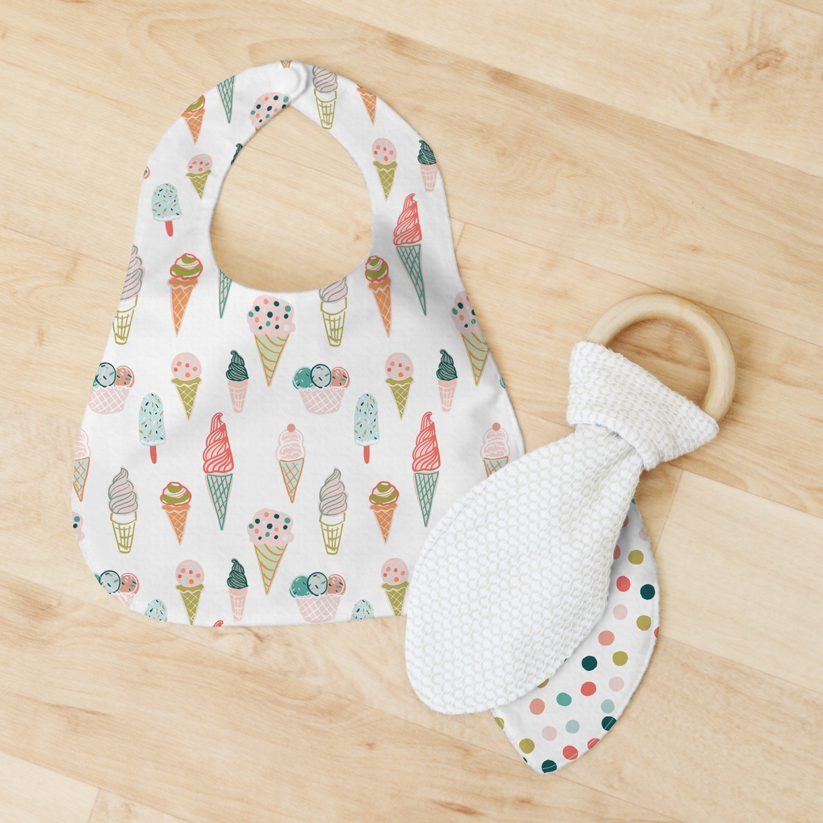 bib and teether ice cream and dots big scales