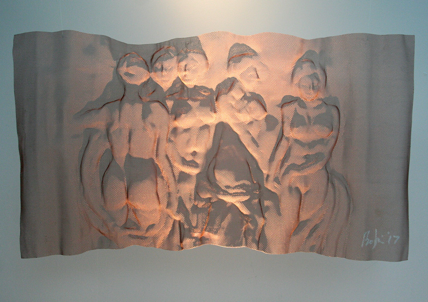 BATHERS-Bronzemesh-by-sculptor-David-Begbie
