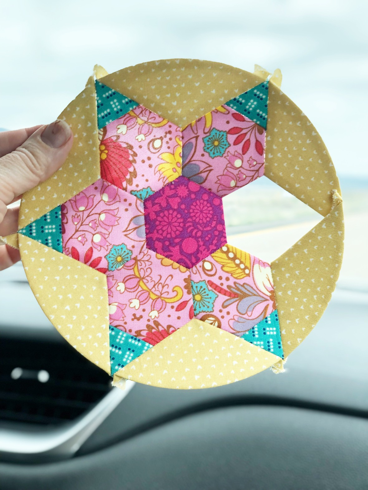 12 Fresh Ideas for Spring Sewing Decor