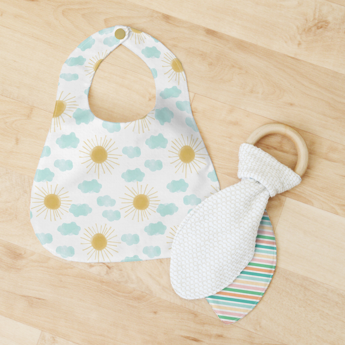 Bib and Teether small scale suns and stripe 1.1