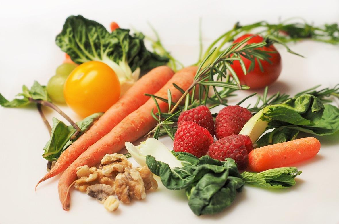 vegetables-1085063 1920