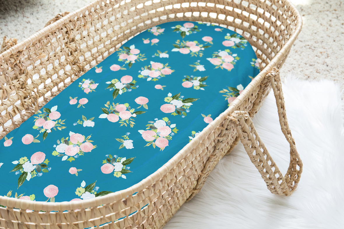 Moses Basket rose bouquet in peacock large